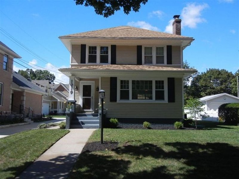 Perfect Notre Dame House Located Two Blocks from Eddy Street Commons and campus!, vacation rental in Saint Marys  Saint Joseph County