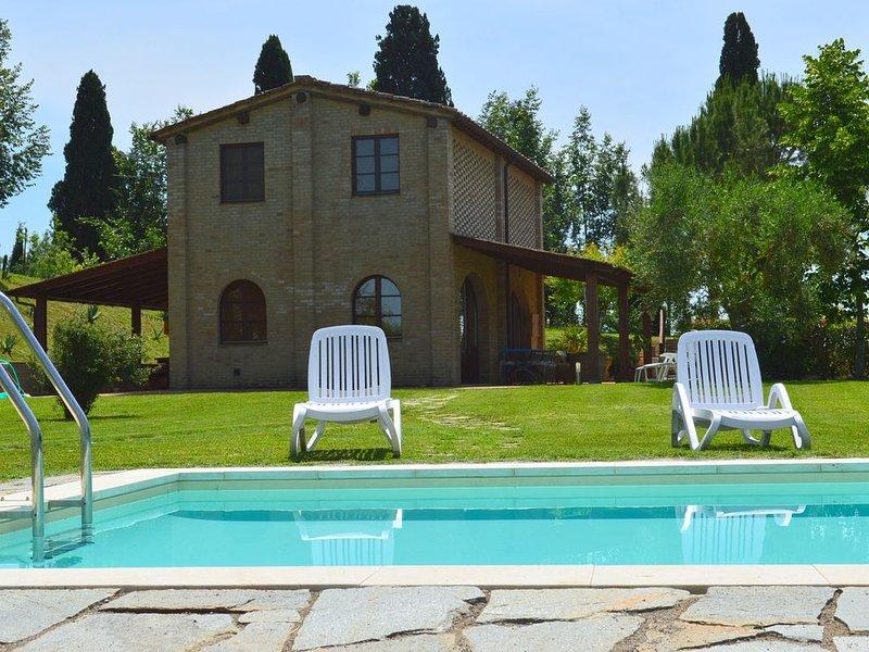 Casa Leotta in the beautiful Asciano, casa vacanza a Asciano