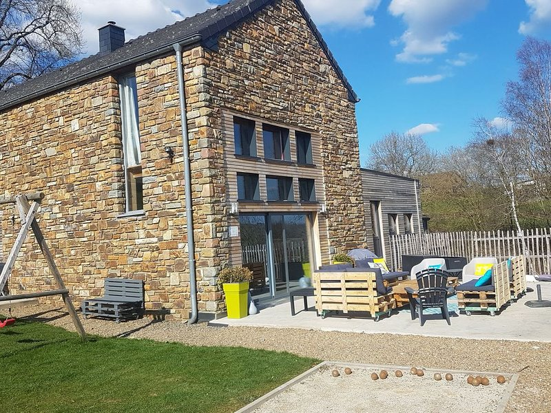 Splendid Holiday Home in Stavelot with Sauna, location de vacances à Francorchamps