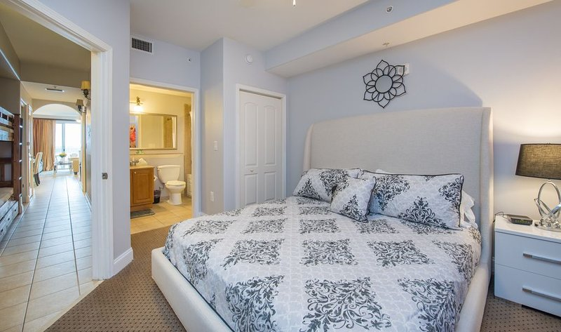 Amazing Water View, 1 Mile to Disney,Newly Renovated, vacation rental in Celebration