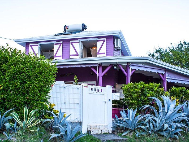 villa caribéenne contemporaine tout confort, location de vacances à Le Diamant