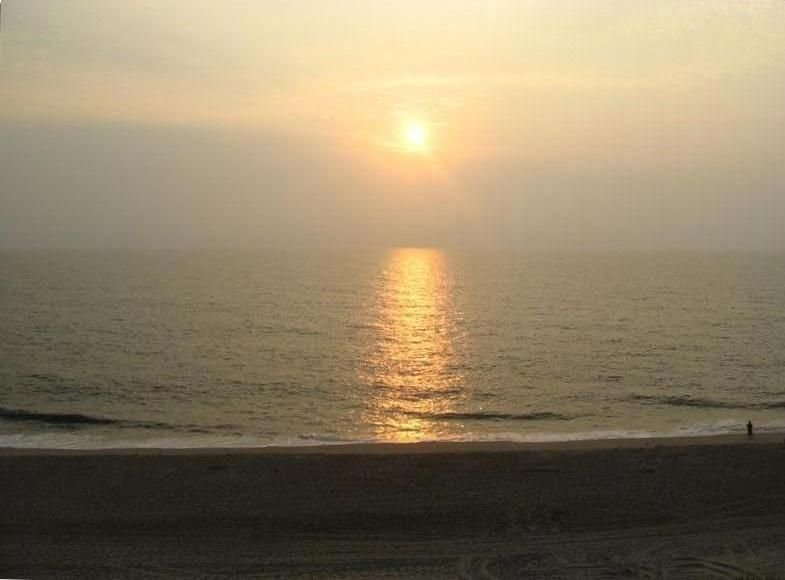 Direct Beachfront, Superb View, Newly Renovated Kitchen, 3 BDRM, holiday rental in Bethany Beach