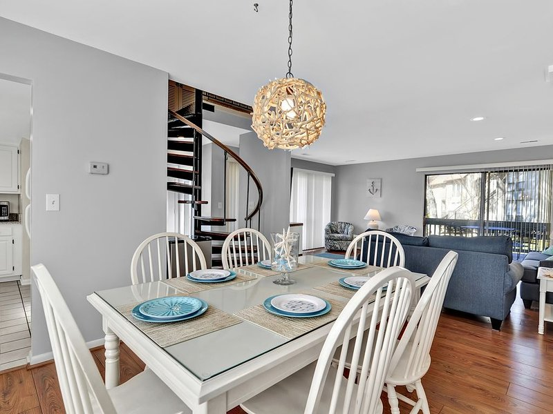Steps from Tennis Center, Walk to Beach End Unit Townhouse, holiday rental in Bethany Beach