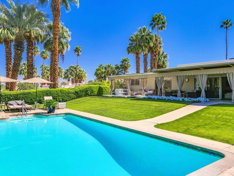 Stunning Villa On 1/2 Acre lot  walk to El Paseo - Summer Rates & Specials, alquiler de vacaciones en Palm Desert