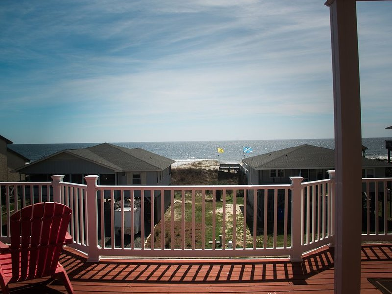 Awesome 5 Bd 5 ba kid & Pet friendly home! Stunning ocean views, walk to circle!, vacation rental in Ocean Isle Beach