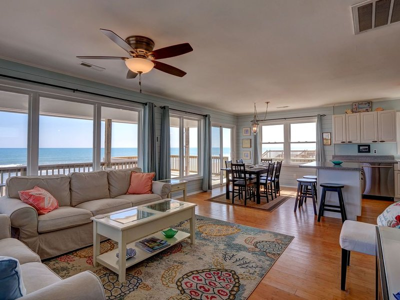 Surf's Up *BREATHTAKING Views & Perfect Reviews! LINENS & MORE provided *NO PETS, holiday rental in North Topsail Beach