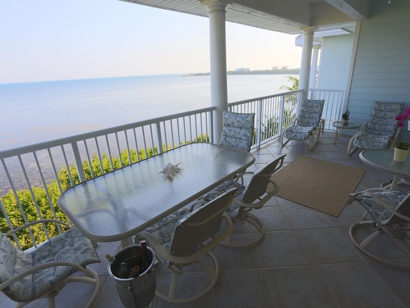 2 Bed/2 Bath Condo in Oceanside Marina with 50' Boat Slip, holiday rental in Stock Island