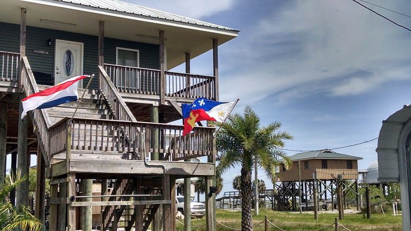 Lake Catherine Camp House with fishing pier, private launch, & sandy beach area!, holiday rental in Slidell