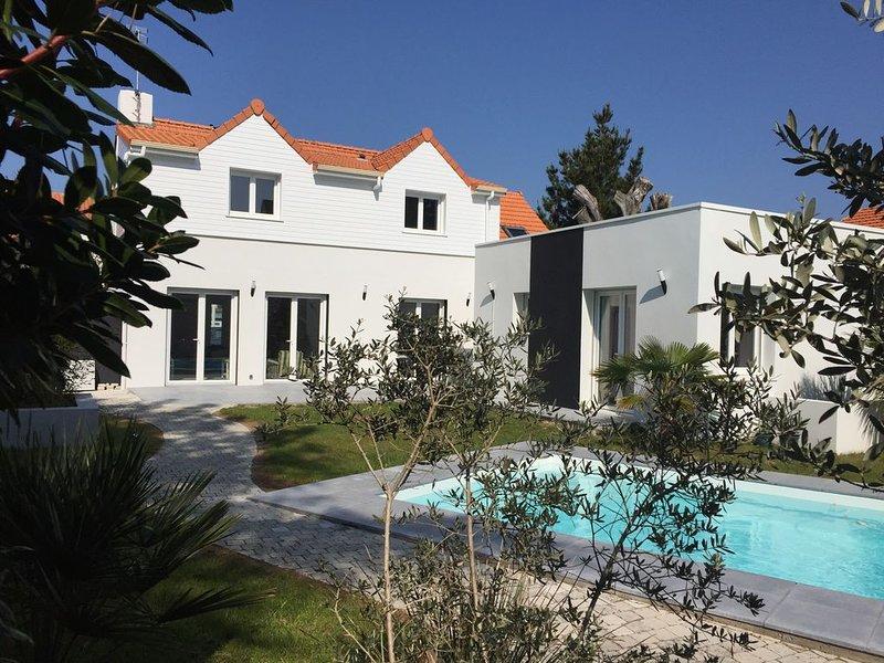 Villa 4 Ch, piscine privée chauffée-sécurisée  à 200m de la plage, location de vacances à Pornichet