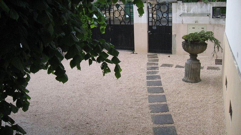 PROMOTION IDEAL Art déco park. privé clos Darcy,+ localvélo centre gare, location de vacances à Dijon