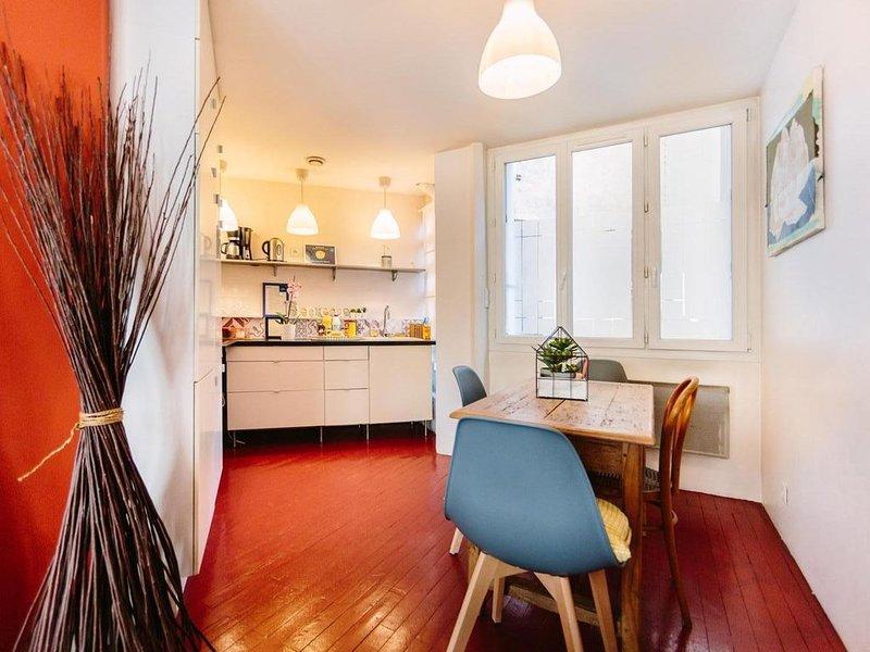 LOCATION NANTES : APPARTEMENT DE L'ÉLÉPHANT - UN NID DOUILLET AU CENTRE VILLE, vacation rental in Nantes