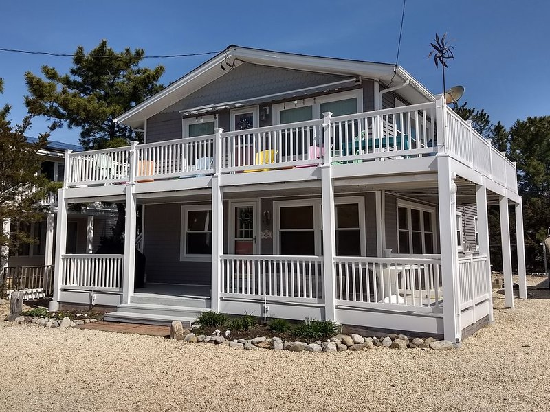 Immaculate, Comfortable, Third from Beach, holiday rental in Barnegat Light