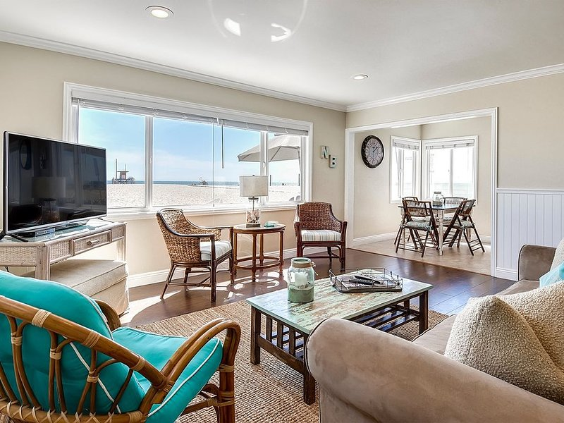 Remodeled Home on the Sand!, vacation rental in Newport Beach
