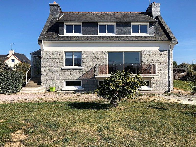 Maison 3* à 200m de la mer, rénovée WIFI sur l'ILE GRANDE, vacation rental in Pleumeur Bodou