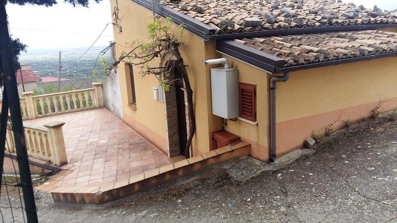 Casa vacanza con terrazzo, Ferienwohnung in Trebisacce