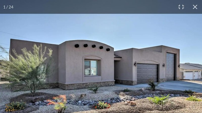 New Santa Fe Style Home! Lots of Big boat parking! 2 Car Garage Access!!! – semesterbostad i Parker Dam