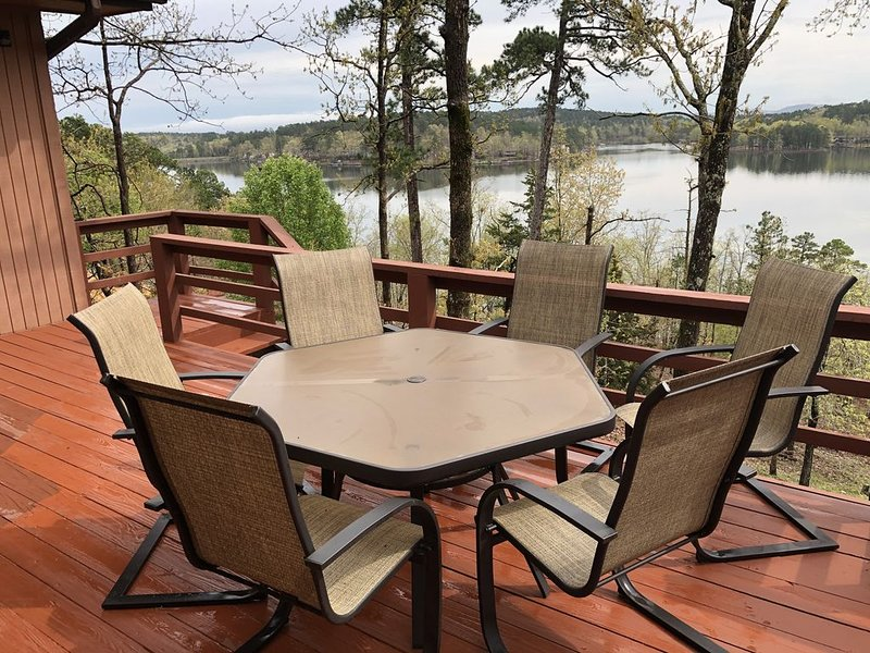 Privacy, Nature, 180 degree Views and Secluded lakefront., vacation rental in Hot Springs Village