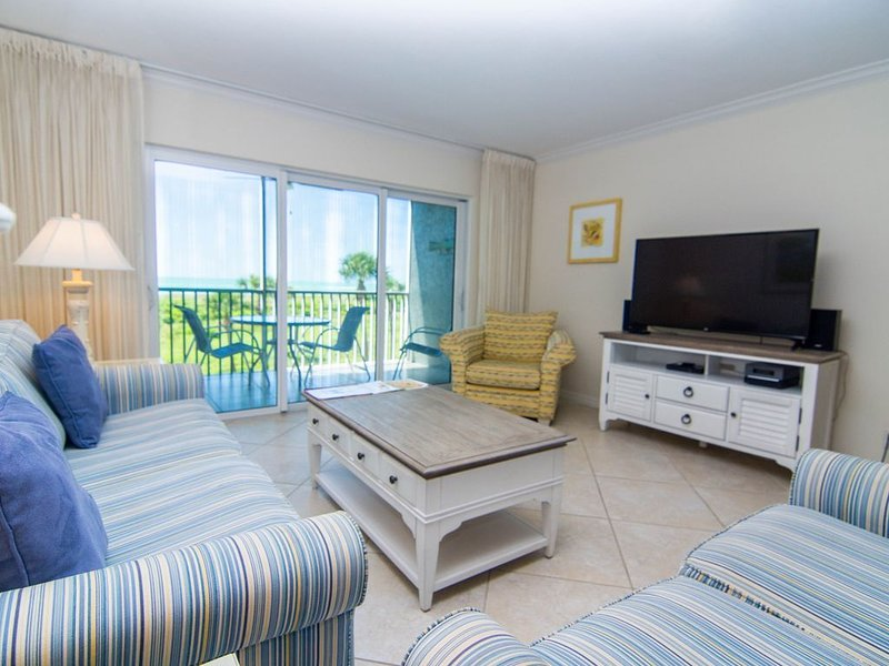 Lovely Captiva gulf front beach villa located within South Seas Plantation, vacation rental in Saint James City