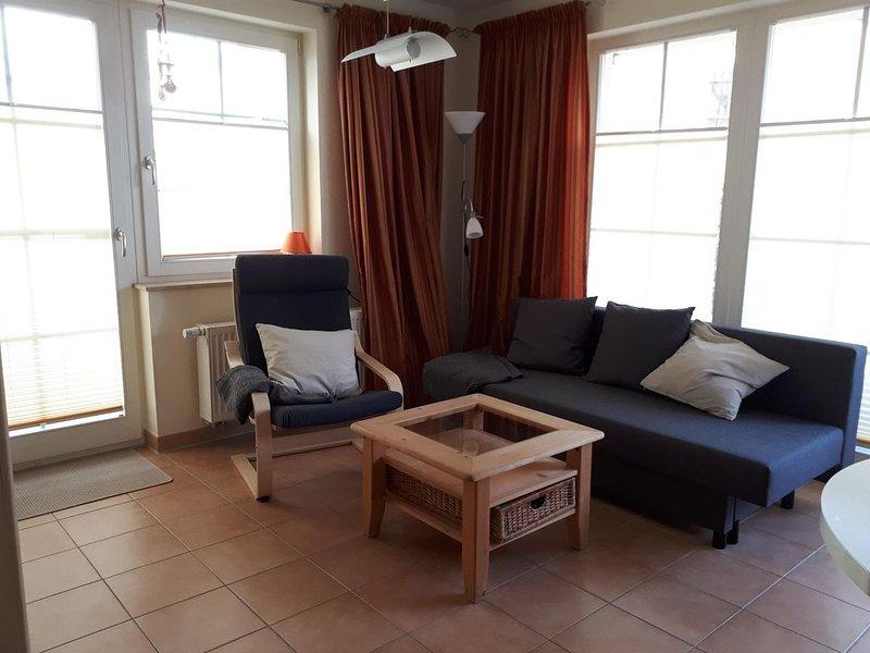 2-Zimmer-Apartement mit Terrasse, nur ca. 80m zum Strand, vacation rental in Lohme