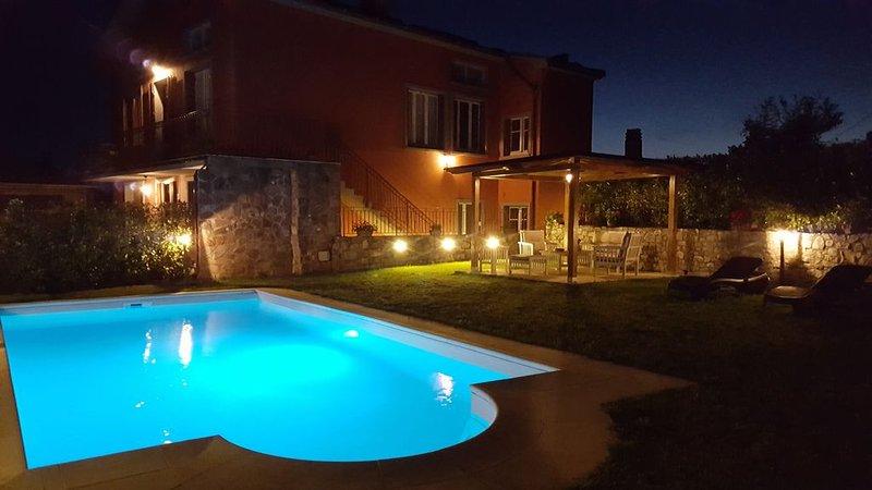 Villa Monticello Holiday Home,Private Pool, Montefegatesi, location de vacances à Fiumalbo