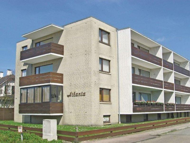 Moderne, helle 2-Zi. Wg.mit großem SW Balkon, mod. Küche, zentral, vacation rental in Westerland