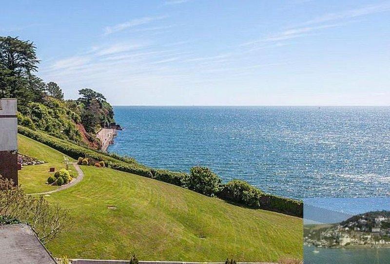 Frontline beach apartment. Balcony. Exceptional sea views. Beach 100 metres., location de vacances à Paignton