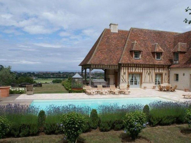 Deauville vue mer et champs de course pres du Golf, vacation rental in Tourgeville