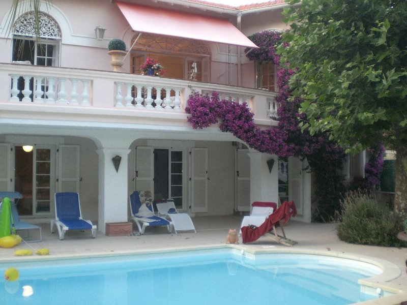 PROMO-10% juillet  VILLA 16-20 PERS ,ACCES DIRECT VERS LA PLAGE ST RAPHAEL, vacation rental in Agay
