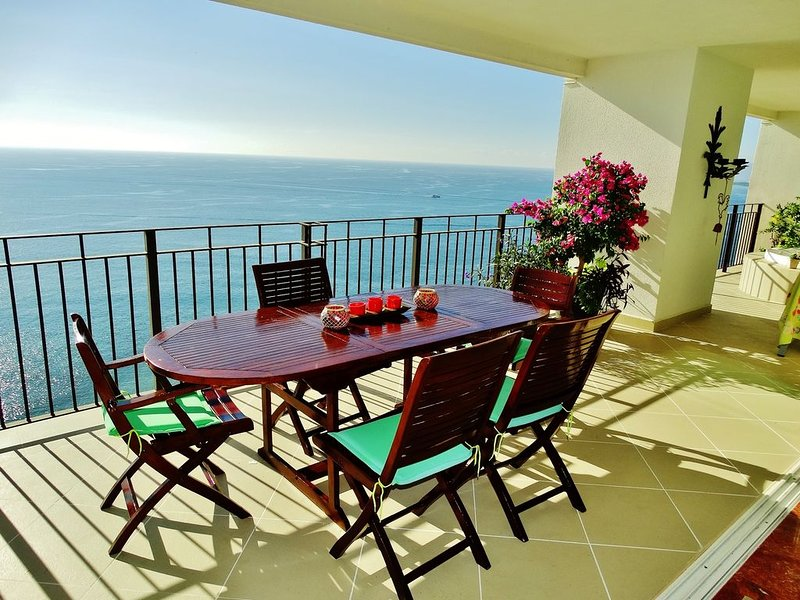 5 *Luxury beach front,corner unit, best location,Grand Venetian La Isla Mall, vacation rental in Puerto Vallarta