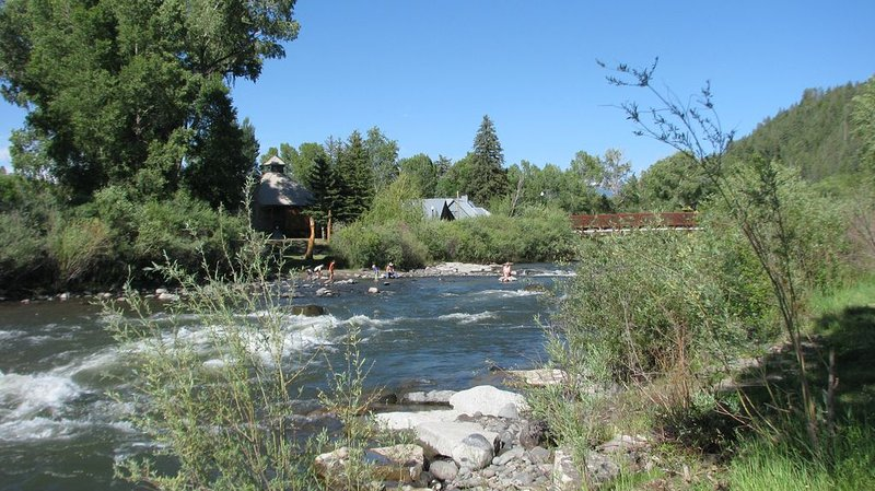 Luxury Town Home  Down Town Over Looking the River, 1 Minute Walk to Hot Spring, alquiler vacacional en Pagosa Springs