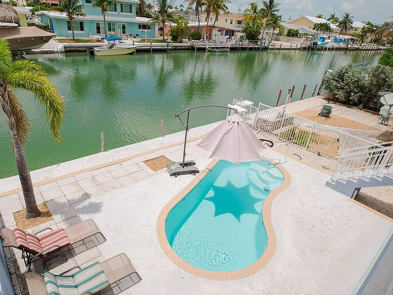 4 Bedroom,4 Bath, Private Pool, 37 and 1/2 foot Dock BEAUTIFUL!!!, holiday rental in Key Colony Beach