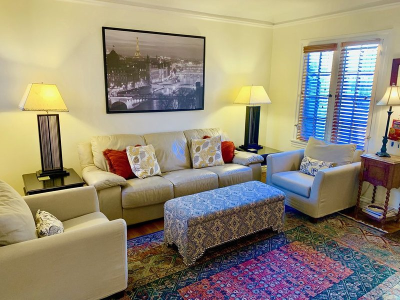 Monthly Rental available Late Summer and Fall, alquiler de vacaciones en West Hollywood