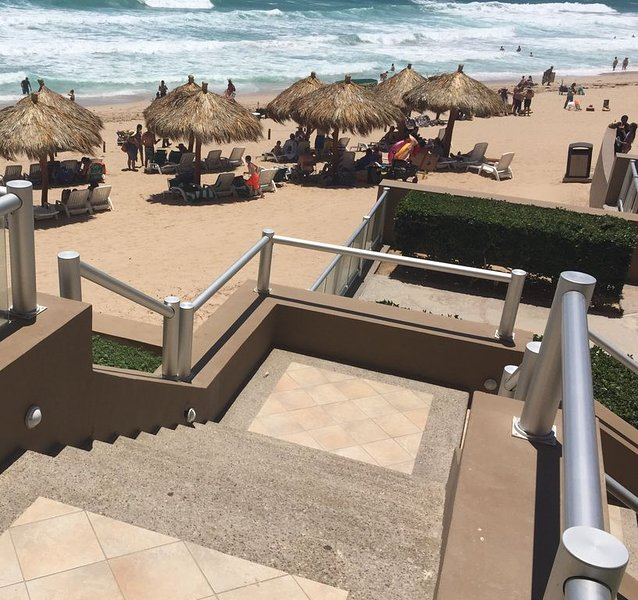 All condos at Las Palomas are nice but only a very few have steps to the beach.