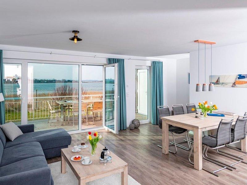 Die exponierte Lage mit direktem Schleiblick, ein privater Wellnessbereich und d, holiday rental in Maasholm
