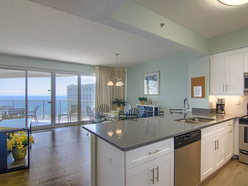 11th floor beach front condo in Tides * Topsl, holiday rental in Sandestin