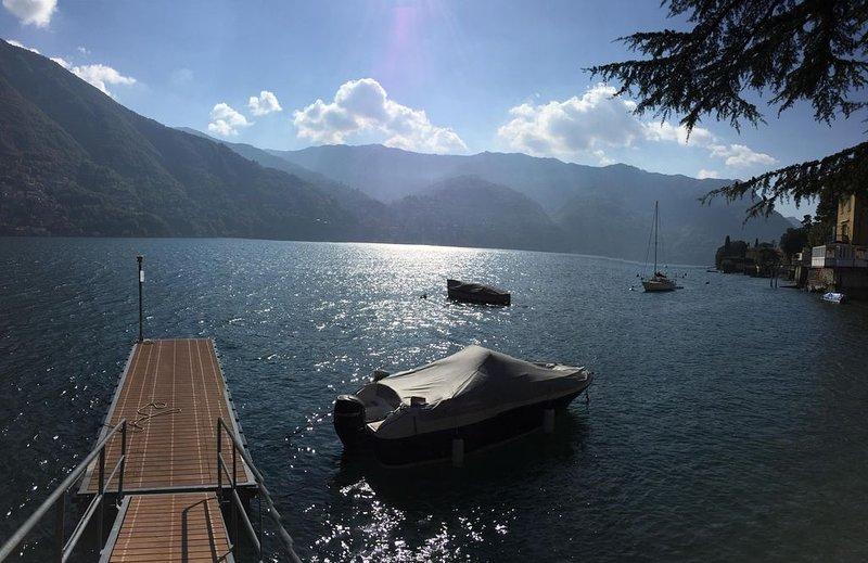 NUMERO 22 - LAKE COMO - DESIGN LIVING WITH STUNNING VIEWS OVER LAKE COMO, casa vacanza a Laglio