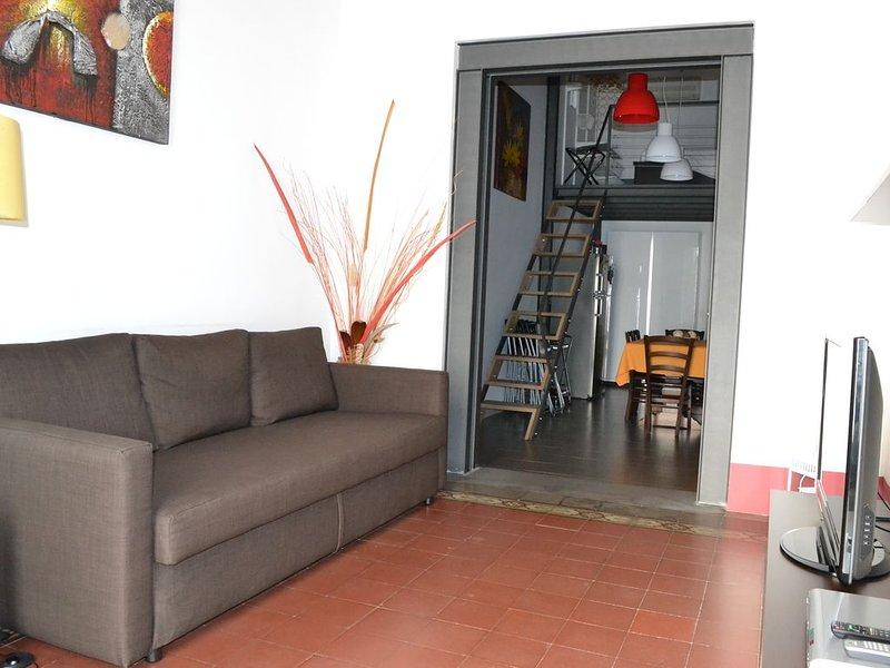 Loft al centro di Catania per 2+2 persone, vacation rental in Catania