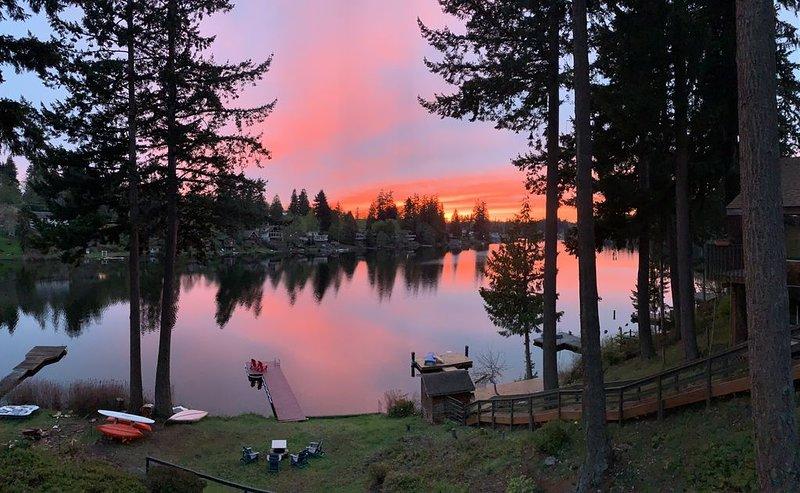Lake Martha Cottage & Glassblowing Studio, location de vacances à Lakewood  Snohomish County