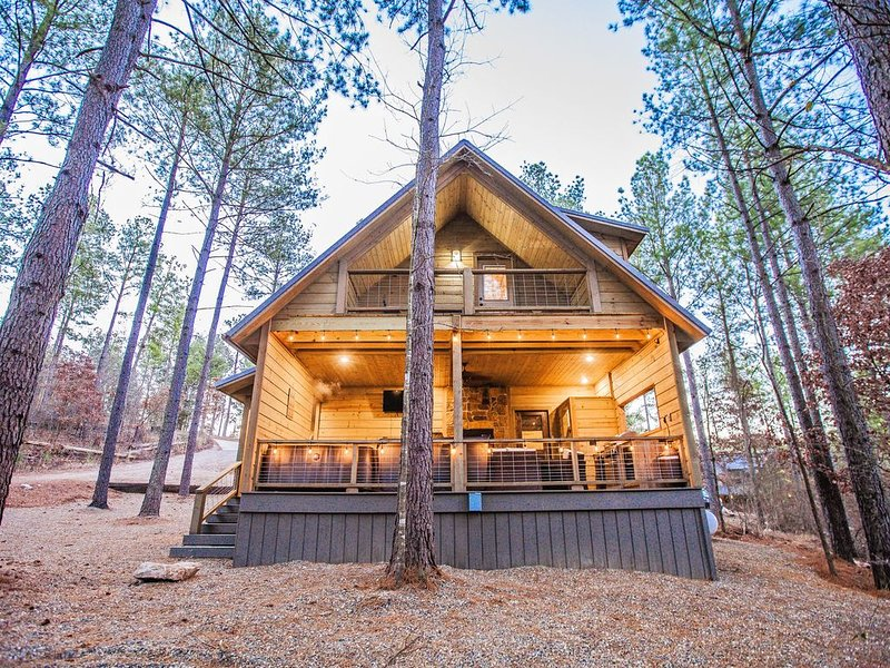 Back of Cabin - Hot Tub, TV, Fireplace, Seating, Built-In Gas Grill...