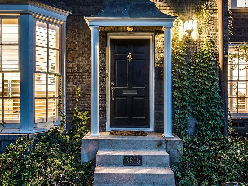 Quiet Luxury In Gorgeous, Walkable Location – semesterbostad i Dallas
