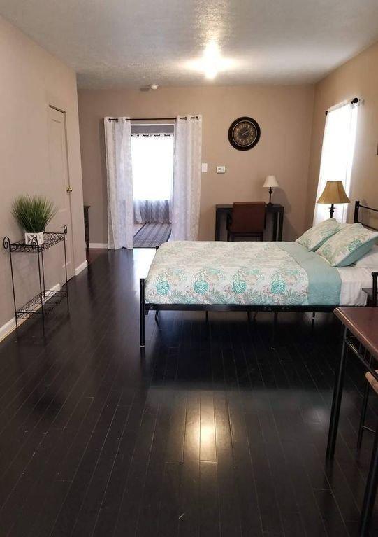 Studio Queen bedroom