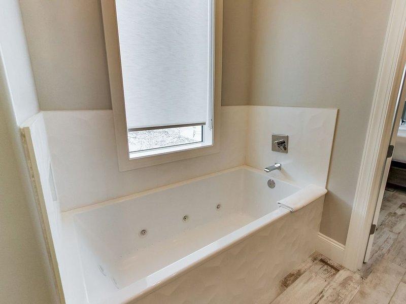 Third Floor: Primary Bathroom