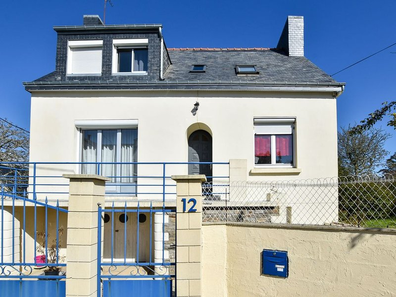 Modern Holiday Home in Clohars-Carnoët with Beach Near, location de vacances à Le Pouldu