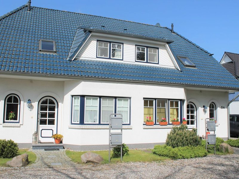 Peaceful Apartment in Zingst Germany with Balcony, casa vacanza a Bresewitz
