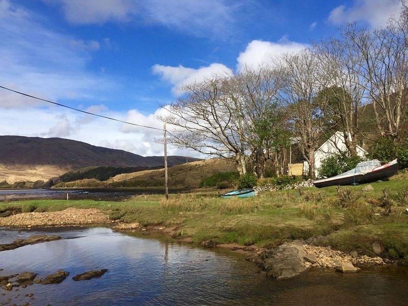 Cottage 194 - Leenane - sleeps 4 guests  in 2 bedrooms, holiday rental in Leenane
