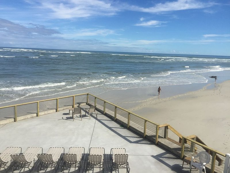 Awesome Oceanfront Family Beach Rental | Huge Deck! | Pet Friendly, holiday rental in Saint Augustine Beach