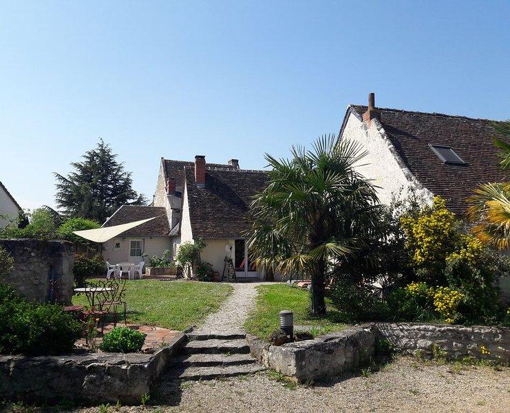 Ancienne maison tourangelle de charme, entierement renovee,cadre arbore et clos., location de vacances à Indre-et-Loire