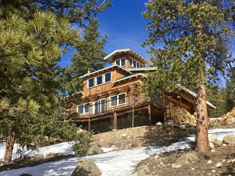 Stunning Mountain Home for the Naturalist, Athlete, & Families, vacation rental in Twin Lakes