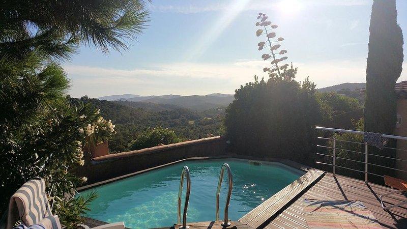 Villa avec piscine- Vue exceptionnelle-Domaine de Valcros, vacation rental in La Londe Les Maures