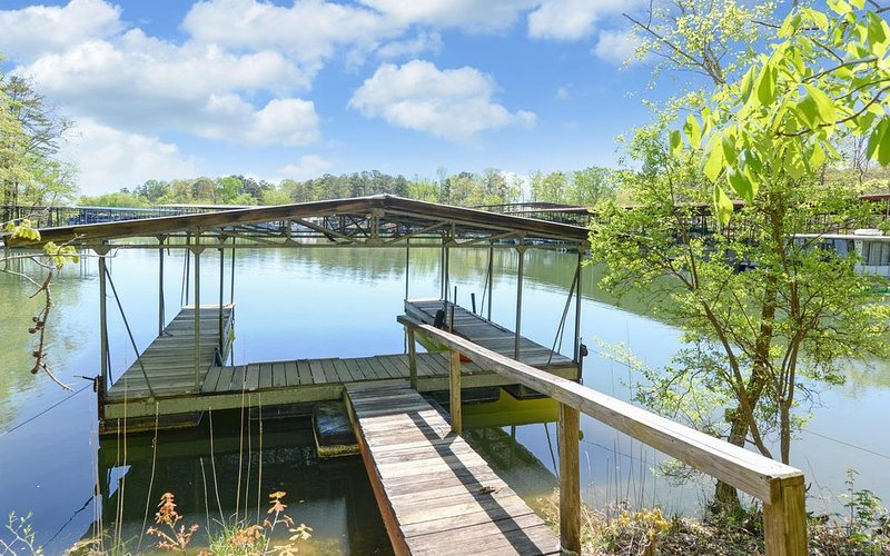 2 bed 2 bath condo on Lake Lanier-, holiday rental in Gainesville